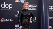 Kelly Clarkson says she was 'real bitter' after 'American Idol' win