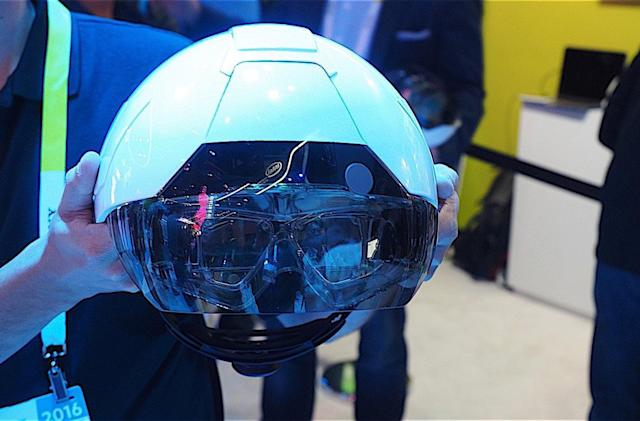 Intel-powered hard hat could help contractors of the future