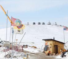 U.S. court orders Dakota Access oil pipeline to be shut, emptied