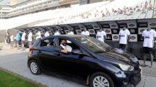 Corinthians lança segunda edição de 'drive-thru' para retirada de camisas