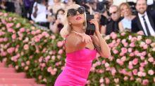 Lady Gaga: una dama de honor pink en la boda de su maquilladora