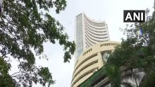 Equity indices trade higher, IT stocks shine