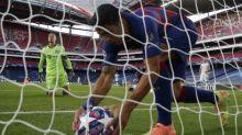 Luis Suárez and Ivan Rakitic on notice as Koeman starts Barcelona clearout