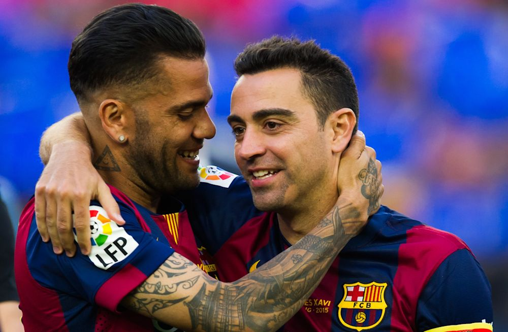 """Xavi a Goal: """"Riporterei Dani Alves al Barcellona, è il miglior terzino"""""""