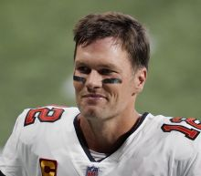 Tom Brady hilariously responds to denied high-five attempt with referee