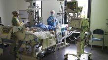 Coronavirus : 32.445 morts en France, le taux de positivité en hausse