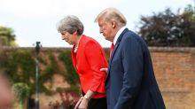 La foto de Trump agarrando a May ilustra las portadas de la prensa británica