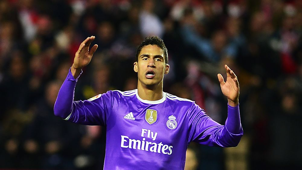 Real Madrid: Innenverteidiger Varane fällt mehrere Wochen aus