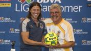 Tuca Ferretti, molesto por el interés de Chivas en sus jugadores