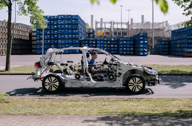 VW's eGon is a driveable, educational EV skeleton