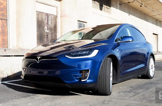 Tesla's future 'dog mode' would prevent humans from panicking