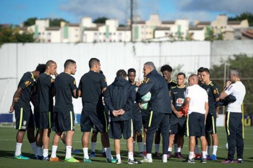 Ainda incompleta, Seleção treina no CT do Corinthians de olho no Uruguai