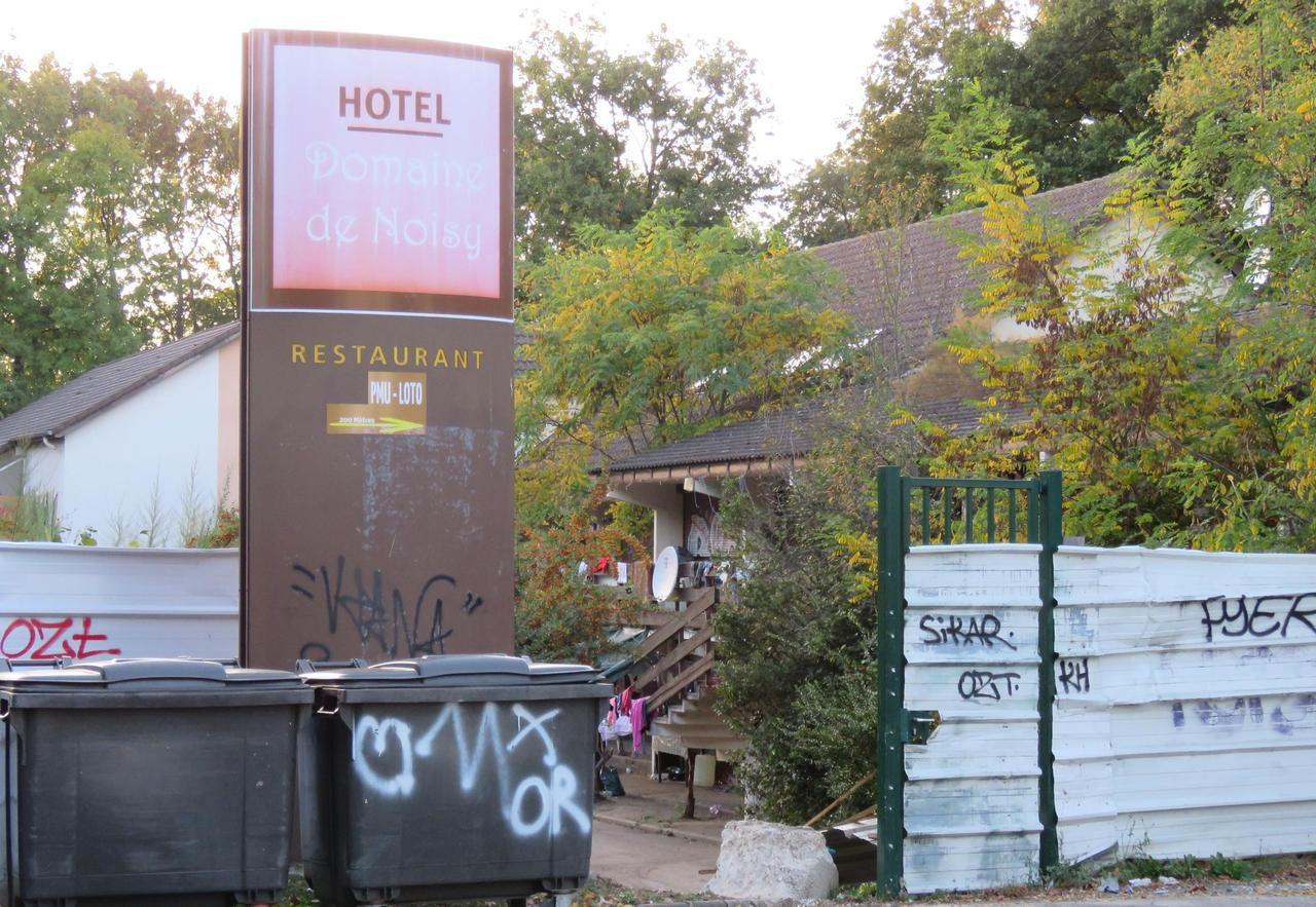 Noisy le grand le squat d un h tel provoque des tensions for Hotel le puy en velay avec piscine