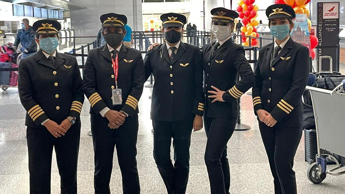 Capt Zoya Aggarwal, Capt Papagari Thanmai , Capt Akansha Sonawar, Capt Shivani Manhas Fuel Air India's AI176, World's Longest Flight, with Women Power