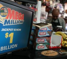 Lotto fever grips U.S. as Mega Millions jackpot hits $1 billion