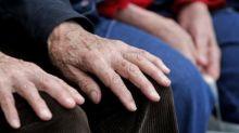 Confinement: des solutions émergent pour lutter contre l'isolement des seniors