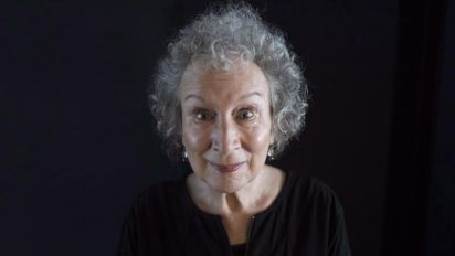 Margaret Atwood receives prize for Global Citizenship