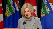 Notley calls on Ottawa buy more rail cars to get Alberta oil to market