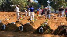"""""""Il faut garder son sang-froid"""" : au Brésil, le plus grand cimetière d'Amérique latine submergé par les morts du coronavirus"""