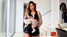 Momento mãe e filha! Zoe se diverte com Sabrina Sato trocando sua fralda
