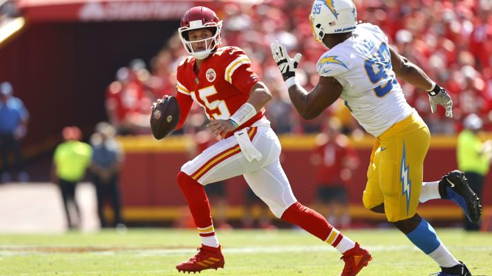 Turnovers slow the Chiefs in the first half