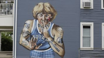 Artist to remove tattoos from Larry Bird mural