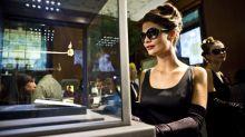 Women aren't waiting for men to buy them jewelry