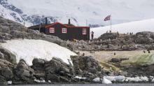 Hundreds apply for post office job in Antarctica