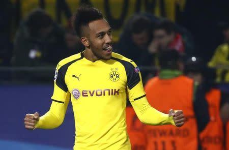 Pierre-Emerick Aubameyang comemora gol do Dortmund