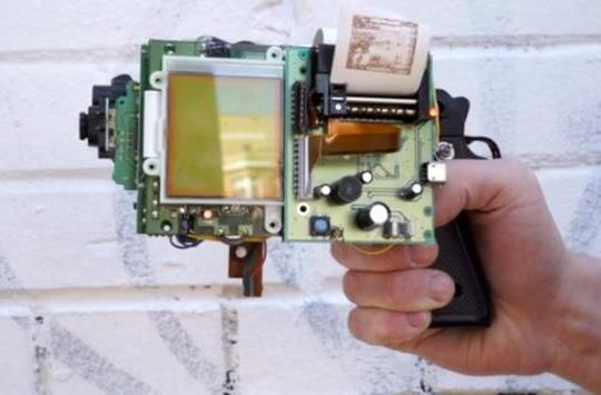 Game Boy camera gun prints when you shoot