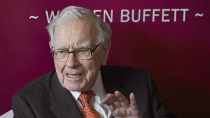 Buffett's Berkshire trims Wells Fargo stake, adds RH