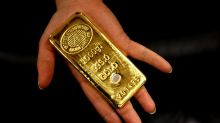 Gold posts lowest finish in nearly 2 weeks as bond yields climb