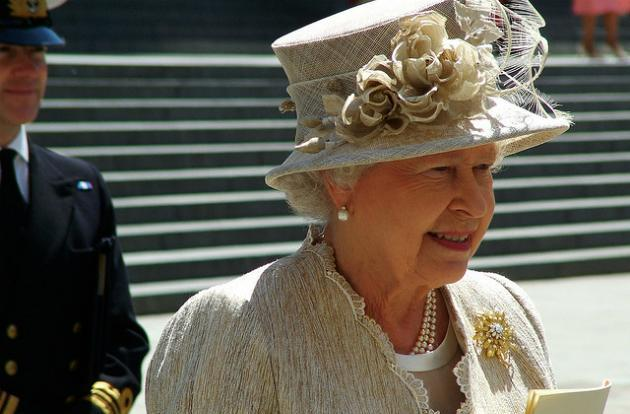 Netflix's first UK original is about the Queen and it's coming in 2016