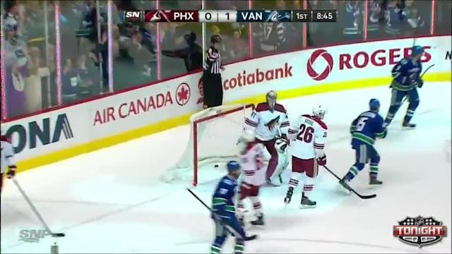 Phoenix Coyotes at Vancouver Canucks - 01/26/2014