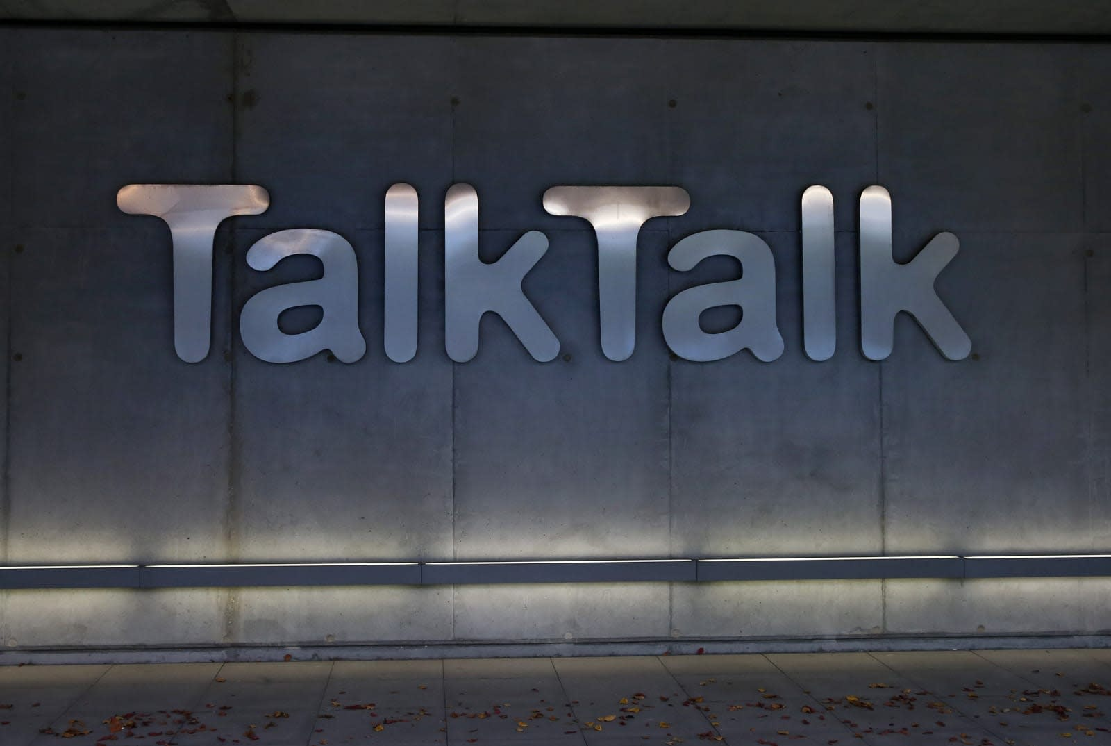 TalkTalk begins winding down its mobile business