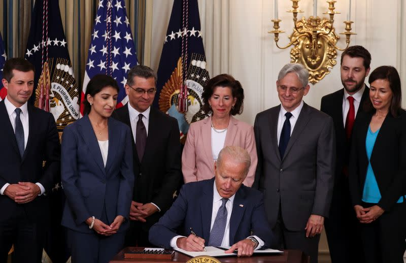 Biden signs order to tackle corporate abuses across U.S. economy
