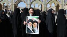 Législatives en Iran: le vote se poursuit, les conservateurs favoris