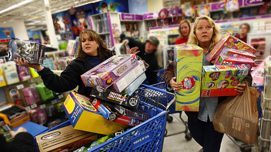 Toy store giant files for bankruptcy