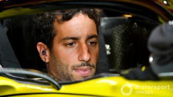 """Ricciardo: """"Renault necesita dar pasos más grandes en 2020"""""""