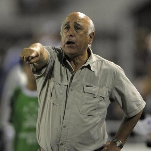 El DT uruguayo-chileno Nelson Acosta separado del campeón de Ecuador, Deportivo Quito