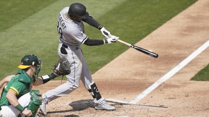 White Sox rookie Robert obliterates 487-foot HR