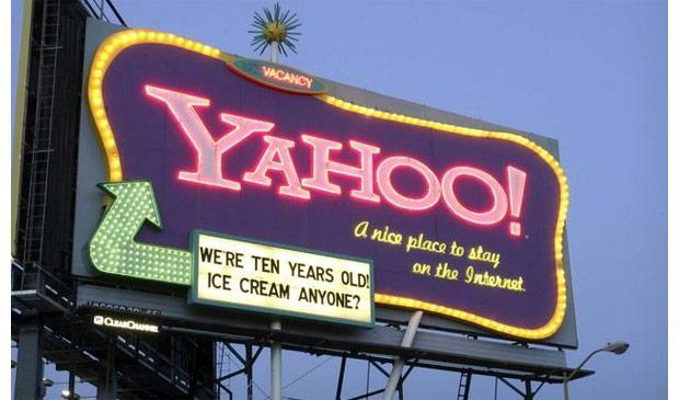 Yahoo hires Google exec Henrique de Castro as COO