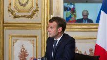 """Haut-Karabakh : Vladimir Poutine et Emmanuel Macron appellent à un arrêt """"complet"""" des combats"""