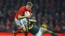 Jones urges England to keep cool in Welsh 'rip off heads' cauldron