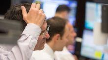 Die Furcht vor einer Eskalation des Handelsstreits zwischen den USA und der EU hat den Dax zum Wochenschluss ins Minus gedrückt. Auch die Deutsche-Bank-Aktie rutscht ab.