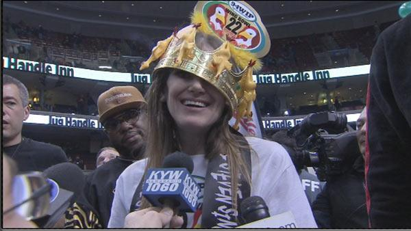 Mother of 4 from Omaha, Molly Schuyler, wins Wing Bowl 22 in Philadelphia