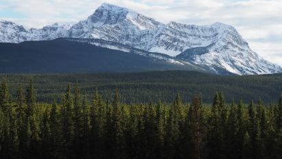 Bodies of 3 mountaineers found in Canada