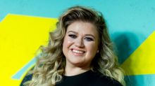 Kelly Clarkson: 'It's when I'm fat that I'm happy'