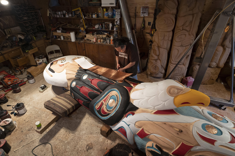 Native Americans haul a 5,000-pound symbol to D.C.