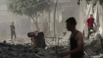 Raw: Airstrike Creates Chaos on Gaza Streets